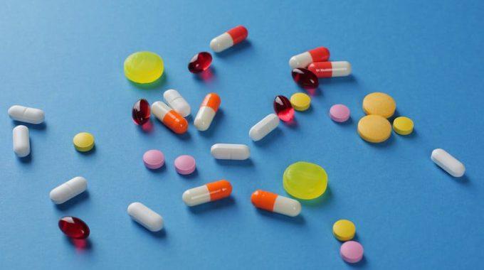 Imagem De Várias Pílulas Orais Em Representação Ao Projeto De Lei Solicitado Para Ser Debatido Em Audiência Pública.